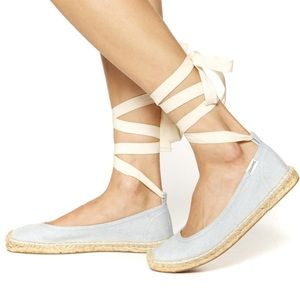 [Soludos]• NWOB ballet lace up flats